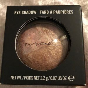 MAC mineral shadow
